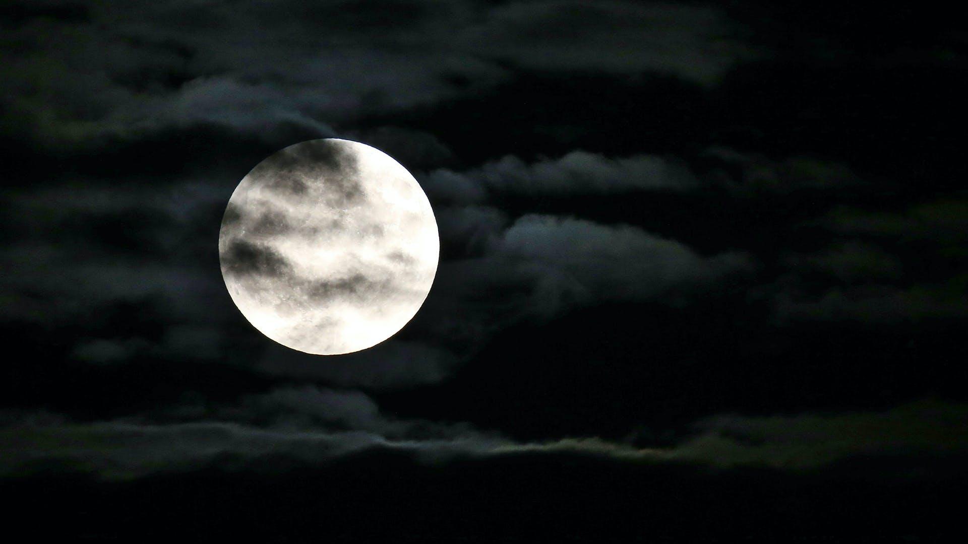 月經與月亮有關嗎?
